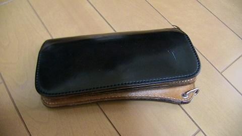 コードバンの財布